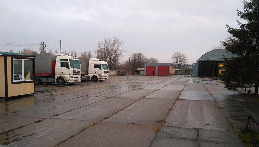 Стоянка грузовых авто